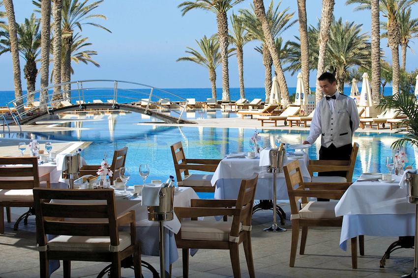 Просмотрите цены и предложения отелей.пляжи ужасные, лучше ехать в айя-напу или другие места, где нормальный песок.